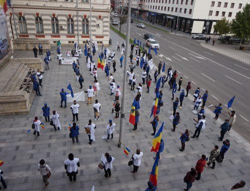 Închidem centrele și mutăm protestele la București