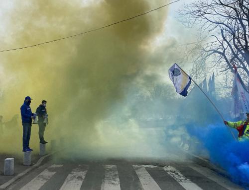 Fum si invalmaseala la Cotroceni la finalul a doua luni de proteste PUBLISIND
